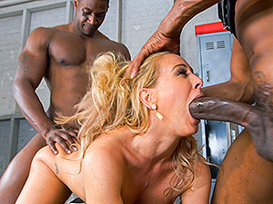 Cheri Deville auditions to be the team slut image 4